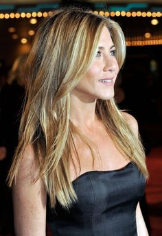 Jennifer Anniston long side bangs
