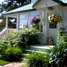 Good landscaping turns your home into a show-stopper.