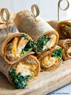 Discover recipes, home ideas, style inspiration and other ideas to try. Sandwich Wrap, Vegan Recipes Easy, Healthy Dinner Recipes, Best Grilled Cheese Sandwich Recipe, Fruit Shakes, Evening Meals, Eating Plans, Nutritious Meals, Food Items