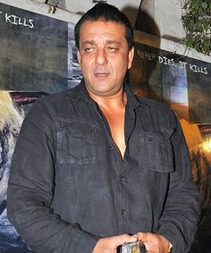 Sanjay Dutt denies his role in 1993 Mumbai blasts!