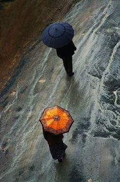 Cute umbrellas. Free shipping: http://annagoesshopping.com/umbrellas
