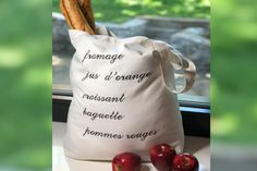 Use your SINGER® embroidery machine to make this rugged grocery tote. With sturdy handles and lots of space, it's perfect for those weekend visits to your local food market. Embroidery Thread, Machine Embroidery, Embroidery Designs, Baguette, Sewing Patterns Free, Bag Patterns, Free Sewing, Jus D'orange, Monogram Fonts