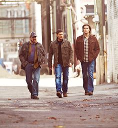 Bobby, Sam, and Dean  #Supernatural  #TheManWhoKnewTooMuch  6.22