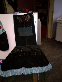"""This """"WAS"""" a pair of blue jeans.now a beautiful apron.my volunteer work as seamstress for """"The Art of Elysium"""" in Los Angeles. Denim Aprons, Volunteer Work, Blue Jeans, Sewing Crafts, Attitude, I Am Awesome, Pairs, Board, Beautiful"""