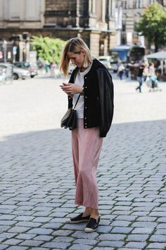 tifmys – H&M sweater and espadrilles, Mango leather jacket, Céline Trio bag & Zara light-pink culottes.