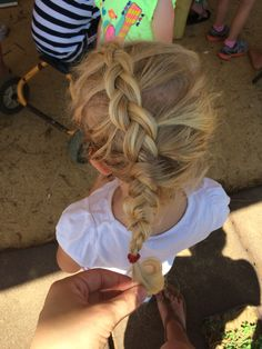 """""""elsa"""" braid, inverse French braid. Beautiful and easy for little girls"""