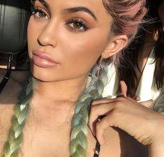 HEIR lipstick Makeup inspiration