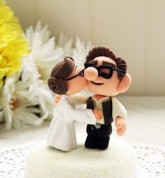 Custom Geeky Style Wedding Cake Topper http://supercooltobuy.com/post/146359052287/custom-geeky-style-wedding-cake-topper-make-your