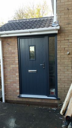 @SolidorLtd flint 2 cottage range in a modern anthracite grey.  Chrome hardware and a glazed side panel. Installed in Belper, Derbyshire. For a free quotation call us on 01158 660066 visit http://www.thenottinghamwindwcompany.co.uk or pop into our West Bridgford showroom.