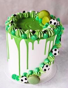 Birthday Cake Kids Boys, Football Birthday Cake, 14th Birthday Cakes, Number Birthday Cakes, Cool Birthday Cakes, Soccer Cookies, Soccer Cake, Football Themed Cakes, Oreo
