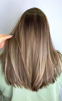 Ash Blonde Hair Balayage, Ombre Blond, Dark Blonde Hair Color, Hair Color Streaks, Brown Hair With Blonde Highlights, Brown Hair Colors, Hair Highlights, Blondish Brown Hair, Light Brunette Hair