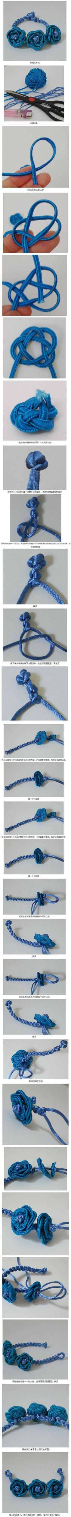 pulsera con cordón cola de ballena con tres flores
