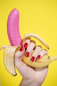"Colorful captures by Lithuanian photographer Aleksandra Kingo. ""Aleksandra specialises in fashion and still life, concentrating on conceptual narratives, set design and art direction. Her work… Wes Anderson, Still Life Photography, Art Photography, Fashion Photography, Kitsch, Meat Art, Banana Art, Pink Banana, Grid Design"