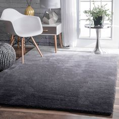 nuLOOM Handmade Soft and Plush Ombre Grey Shag Rug x (Grey), Size x (Synthetic Fiber, Solid) Blue Living Room Decor, Living Room White, Interior Design Living Room, Rugs In Living Room, Room Interior, Grey Shag Rug, Grey Rugs, Brown Sofa, Yellow Rug