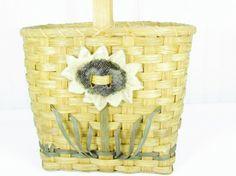 Vintage purse wicker purse basketstraw by KarensChicNShabby