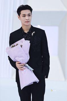 Zhang yixing #exo lay