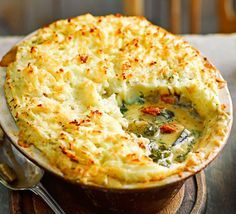 Italian Veggie Cottage Pie- An Italian twist on an English classic, with sundried tomato, spinach and aubergine, this veggie pie makes a super budget supper Easy Pie Recipes, Bbc Good Food Recipes, Veggie Recipes, Cooking Recipes, Bbc Recipes, Meatless Recipes, Savoury Recipes, Veg Pie, Vegetarian Pie