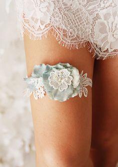 Wedding Garter Bridal Garter Ivory Lace Garter Flower Garter