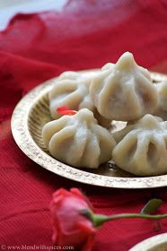 Indian Cuisine: Ukadiche Modak Recipe - Modakam - Vella Kozhukattai - Vinayaka Chavithi Recipes (Step by Step Recipe) Indian Dessert Recipes, Indian Sweets, Indian Recipes, Indian Snacks, Modak Recipe, Vegetarian Recipes, Cooking Recipes, Rice Recipes, Snack Recipes