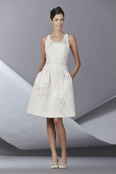 Carolina Herrera innova en su colección de novias 2014