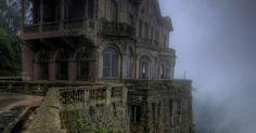 Αυτό το ξενοδοχείο ήταν εγκαταλελειμμένο για αρκετές δεκαετίες, λόγω ενός σκοτεινού μυστικού! | Τι λες τώρα;