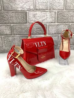 Top Quality Red and White Heels and Purse Set Beautiful Handbags, Beautiful Shoes, Luxury Shoes, Luxury Bags, Bogo Shoes, Cute Shoes, Me Too Shoes, Luxury Handbag Brands, White Heels