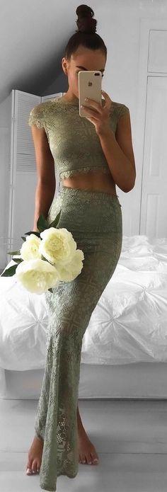 beautiful lace set / crop top maxi skirt