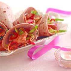 Thai Pork Christmas Wraps: Quick And Easy Meal Ideas. Are you looking for quick and easy meal ideas to make up over Christmas? Dinner Date Recipes, Date Dinner, Christmas Party Food, Christmas Treats, Plum Chutney, Sticky Chicken Wings, Best Wok, California Walnuts, Pork Fillet