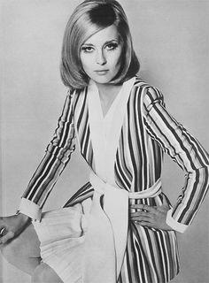 """Résultat de recherche d'images pour """"glamour 1967"""""""