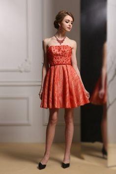 81 meilleures images du tableau Femmes en robes rouges   Ballroom ... b223e1b8283c