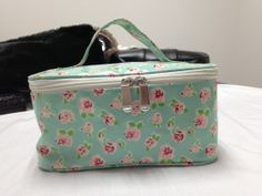 New designs cosmetic bags factory, only makes goods from orders ,and wholesales, lybags@gmail.com