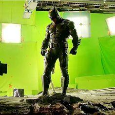"5,673 Likes, 20 Comments -  Batman Fanpage  (@batman_dccomics) on Instagram: ""This shot is definitely epic. | Via @dcfamily #batman #batffleck #art #comics #dceu #dc #dccomics…"""