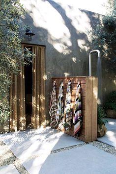 An outdoor bath area from Alexander Designs