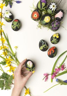 Create these mini masterpieces with some black paint and floral inspiration. These artsy eggs may take more time, but the gorgeous results are worth it. Get the tutorial at The House That Lars Built.