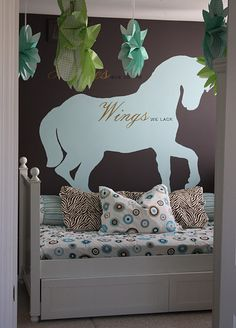 The Yellow Cape Cod: 31 Days of Character Building: Easy Silhouette Mural Tutorial Horse inspired room Horse Themed Bedrooms, Bedroom Themes, Girls Bedroom, Horse Rooms, Bedroom Ideas, Bedroom Wall, Horse Mural, Horse Lamp, Daughters Room
