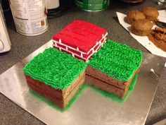 Cool Minecraft cake that is easy to do, and will please the most diehard Minecraft players.
