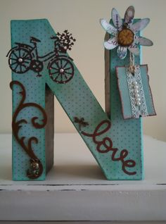 Cool DIY letter and word signs ideas. Wood Letter Crafts, Wooden Alphabet, Wood Letters, Monogram Letters, Letter Door Hangers, Letter Wall, Initial Art, Mirrored Picture Frames, Crafts To Sell