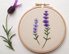 Lavender garden daisy garden hand embroidery in hoop wall art - Lavender embroidery hoop art Etsy Embroidery, Embroidery Flowers Pattern, Silk Ribbon Embroidery, Hand Embroidery Patterns, Embroidery Thread, Simple Embroidery Designs, Diy Broderie, Canvas, Embroidery Patterns