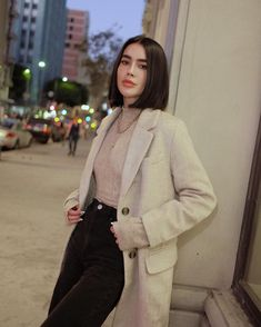 Blunt Bob Hairstyles to Wear This Season 2020 20 Blunt Bob Hairstyles that Will Make You Rethink Long Hair Of 98 Best Blunt Bob Hairstyles to Wear This Season 2020 Blunt Bob Hairstyles, Down Hairstyles, Office Hairstyles, Anime Hairstyles, Stylish Hairstyles, Hairstyles Videos, Hairstyle Short, School Hairstyles, Hair Updo