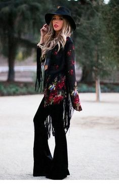 cool fashion style women casual,outfit ideas for women in fashion styles,fashion style women trends Boho Chic, Bohemian Mode, Gypsy Chic, Bohemian Style, Boho Fashion, Autumn Fashion, Fashion Outfits, Fashion Styles, Hippie Festival