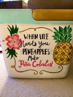 another cool idea for the cooler. using acrylic paint and outdoor modge poge. :) YES YES YESSSSSS Bubba Keg, Diy And Crafts, Arts And Crafts, Cooler Designs, Cooler Painting, Frat Coolers, Sorority Crafts, Crafty Craft, Crafting
