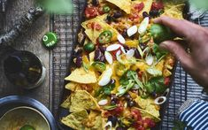 BBQ BBQ Nachos Buying The Right Type Of Mens Watches Apart from telling him what time it is, a watch Soirée Bbq, Barbecue Recipes, Bbq Grill, Bbq Nachos, Bbq Desserts, Best Bbq, Bbq Party, Summer Bbq, Deep Dish