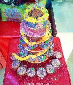 Cupcakes y Pasteles de diseño de la barra dulce Guatemala♥ #labarradulce #disney #Frozen #tangled #Enredados #rapunzel #disneyinspired #disneyprincess #Hairdo #hair #flowers #Guatemala