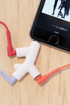 "A <a href=""http://fave.co/1PjTfWA"" target=""_blank"">headphone branch</a> that lets you share your tunes with two buddies."