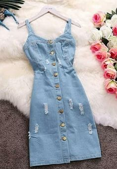 Dicas de looks Indian Fashion Dresses, Girls Fashion Clothes, Teen Fashion Outfits, Look Fashion, Skirt Fashion, Casual Dress Outfits, Modest Outfits, Classy Outfits, Pretty Outfits