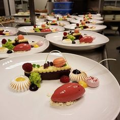 Desserts from yesterday nights service Food Pictures, Food Pics, Pastry Chef, Panna Cotta, Food And Drink, Ethnic Recipes, Desserts, Tailgate Desserts, Dulce De Leche