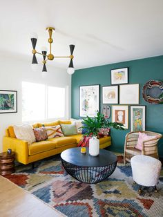 3 All Time Best Ideas: Vintage Home Decor Cottages Living Rooms vintage home decor antiques towel racks.Vintage Home Decor Ideas Rustic vintage home decor ideas rustic.Old Vintage Home Decor Shelves. Colourful Living Room, Eclectic Living Room, Home Living Room, Vintage Modern Living Room, Apartment Living, Living Room Yellow, Retro Living Rooms, Contemporary Living Room Designs, Modern Living Room Colors