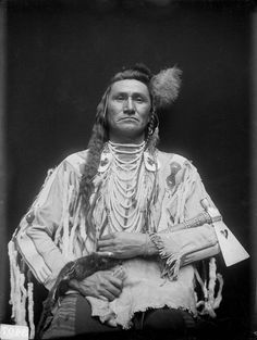 Holds His Enemy, Son of Chief Pretty Eagle - Crow - 1910 - Photographer unidentified
