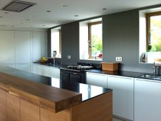 bulthaup Winchester brings visionary design to all of the luxury designer bulthaup kitchens we install. We are based in Winchester, Hampshire. Luxury Design, Aga Kitchen, Cool Kitchens, Luxury Kitchens, Kitchen Renovation, Modern Kitchen, Modern Windows, Kitchen, Bespoke Kitchens
