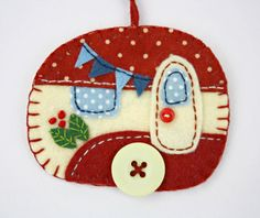 Ornamento di Natale feltro roulotte Vintage di PuffinPatchwork
